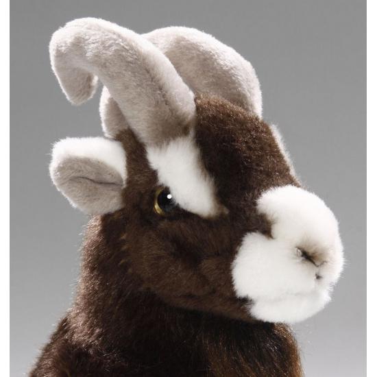 f65644868d9851 Bestel Pluche knuffel zittende geit 23 cm in de winter winkel
